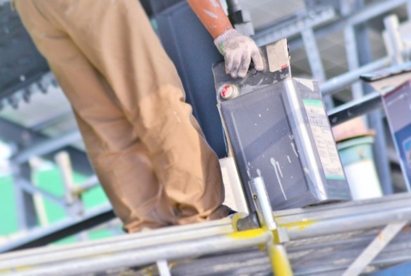 雨漏りは塗装で修理できる?屋根塗装の正しい知識で悪徳業者を撃退