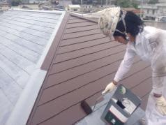 屋根・外壁塗装リフォーム工事 屋根の中塗り