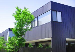 【2021年版】ガルバリウム銅板を外壁で利用するメリットや費用、注意点について