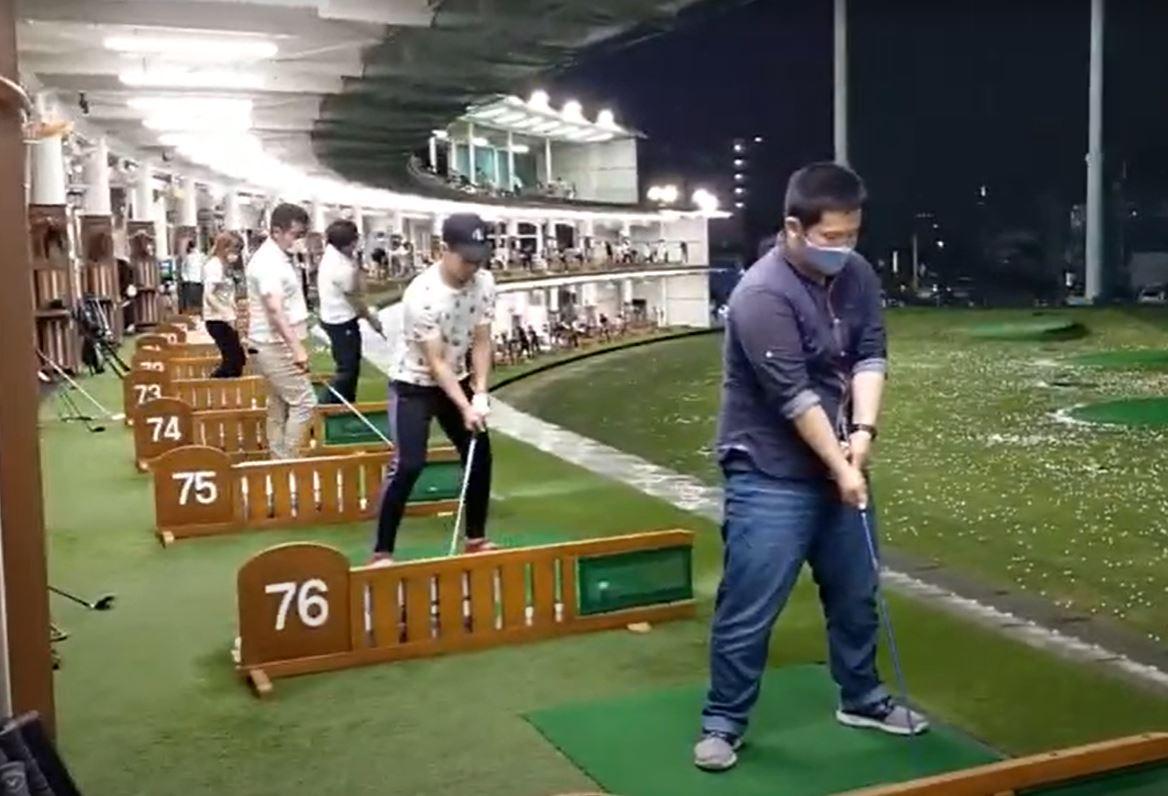 ゴルフ打ちっ放しデビュー