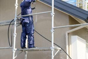 外壁洗浄は自分でやる?業者に依頼するべき?外壁洗浄の費用相場と方法